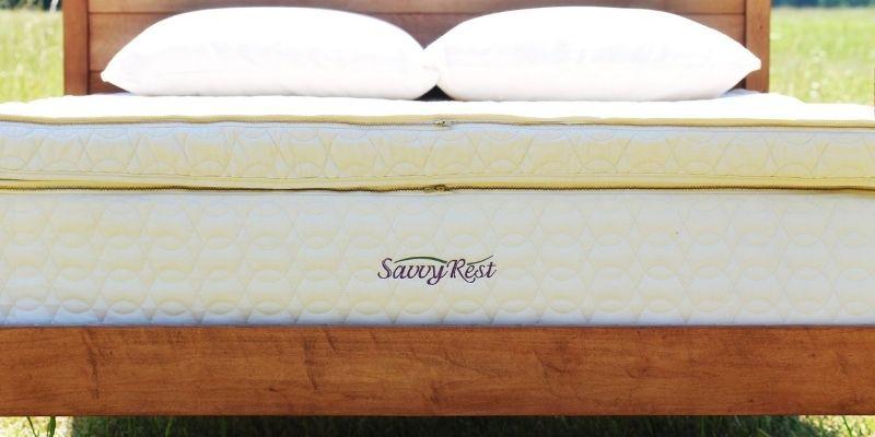 GOTS-certified organic latex mattress topper