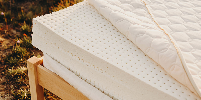 Layers of natural latex in a customizable mattress.