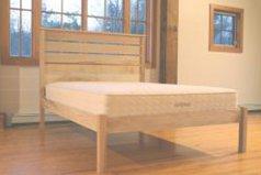 Esmont platform bed