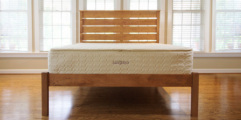 Hybrid mattress with latex and pocketed coils
