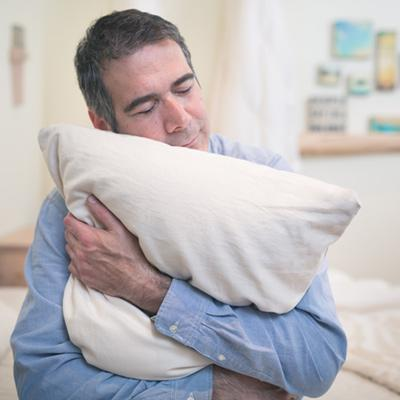hugging a body pillow can benefit sleep