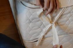 how to tie a mattress pad