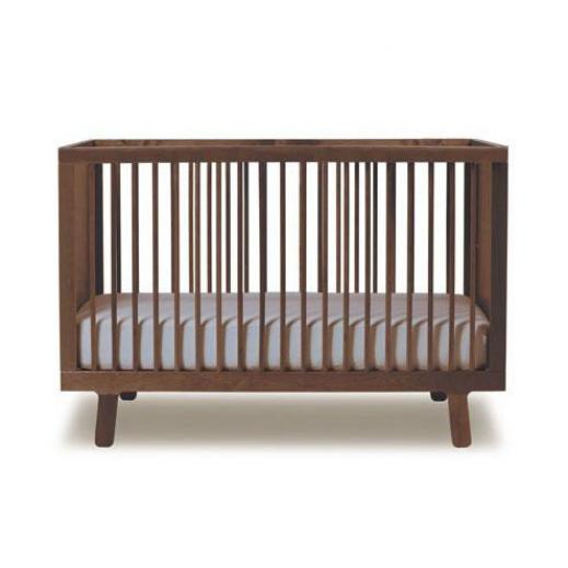 Oeuf Sparrow Crib Walnut.