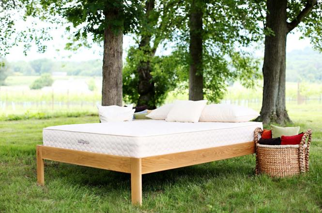 Natural spring mattress with recycling-steel innerpsring