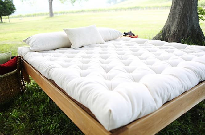 Savvy Rest S Past Organic Wool Mattress Resting On The Natural Platform Bed